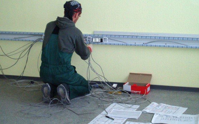 укладка кабеля в короб